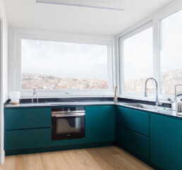 cucina-con-penisola-panoramica